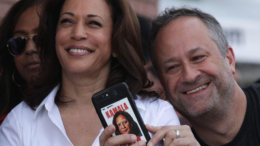 Kamala Harris und ihr Mann und Douglas Emhoff im August 2019