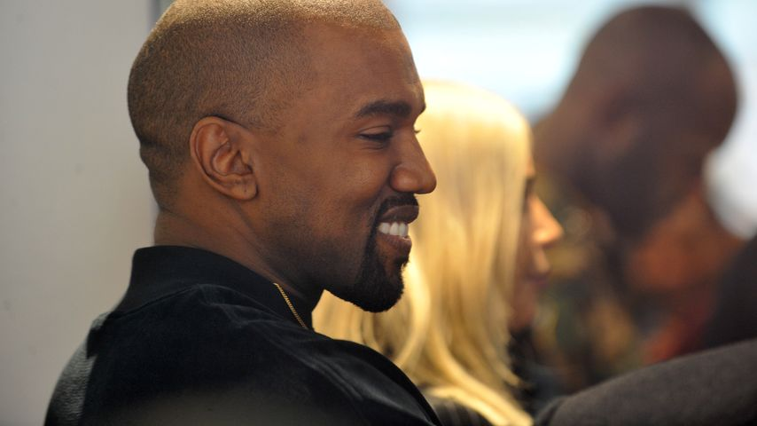 Beim Lächeln ertappt! Kanye West zeigt skurriles Mienenspiel