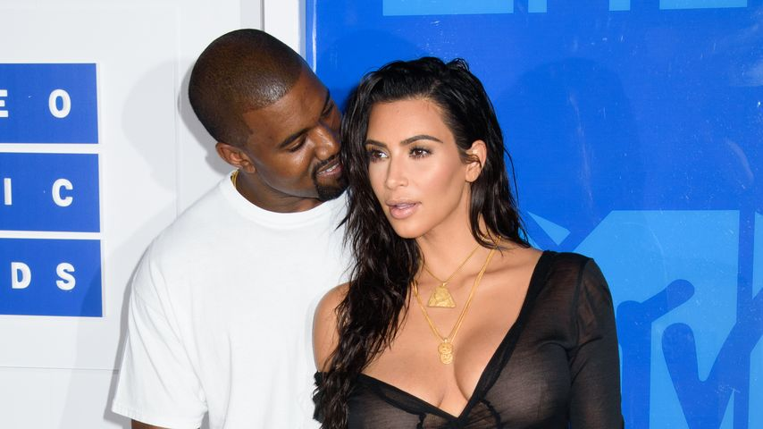 Kanye West und Kim Kardashian bei den VMAs 2016 in New York