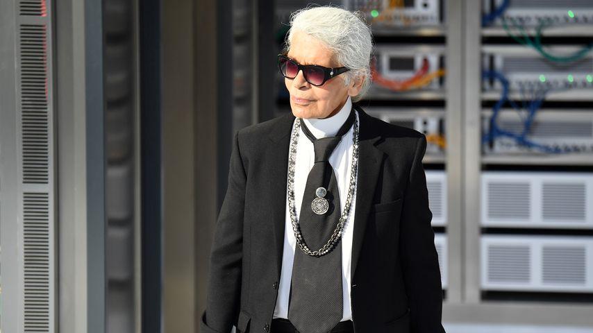 Karl Lagerfeld auf der Chanel-Fashionshow in Paris im Oktober 2016