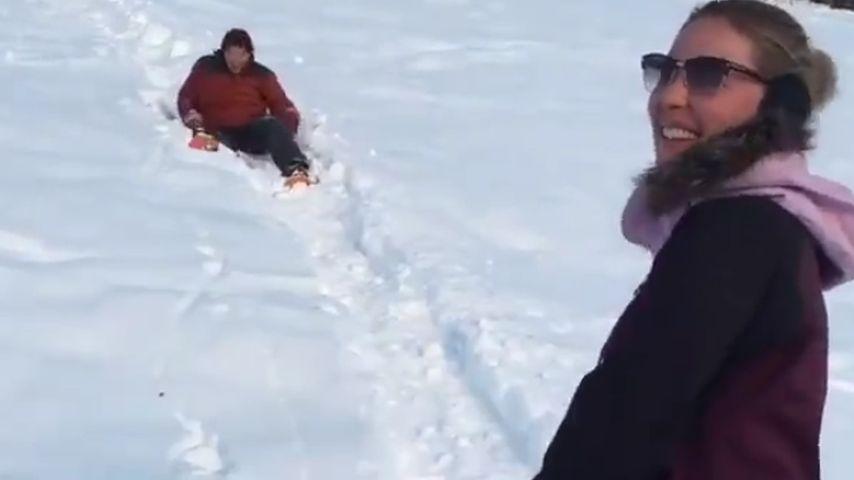 Schnee-Schwester: Katherine Heigl albert in Winterlandschaft