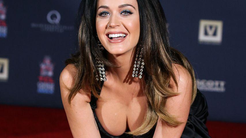Dekolleté-Dilemma: Katy Perrys pralle Brust-Schau
