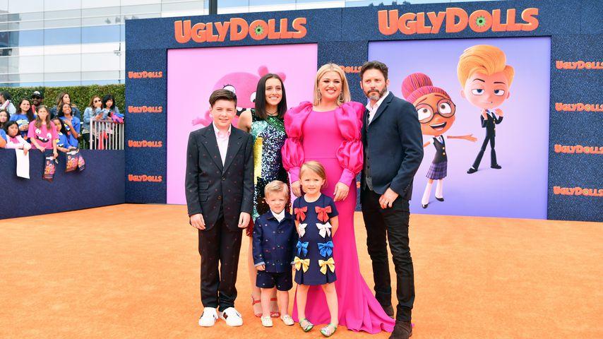 Kelly Clarkson mit ihrer Familie im April 2019