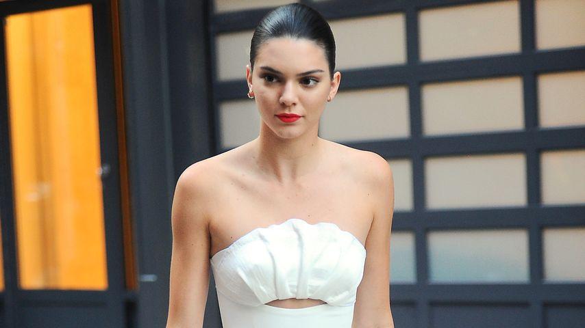Kendall Jenner auf dem Weg zur Zac-Posen-Show bei der NYFW