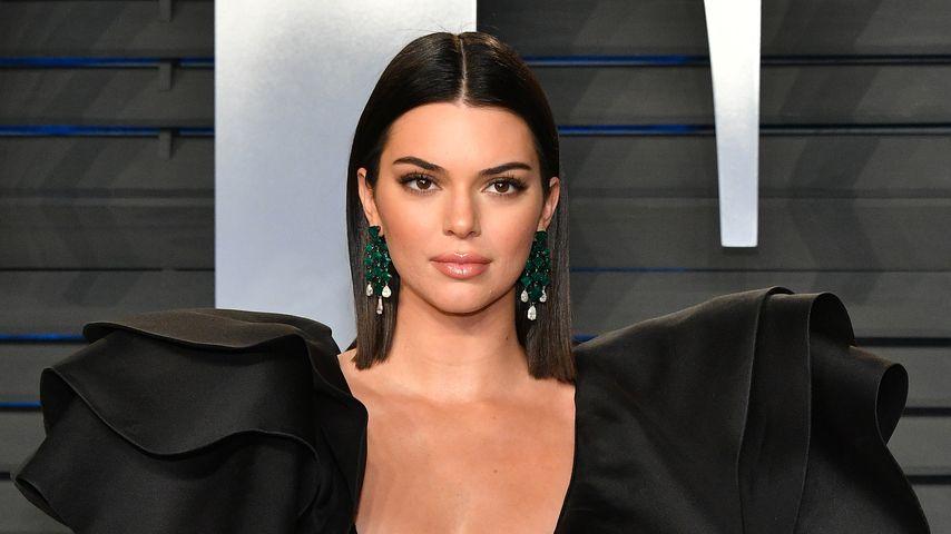 Oscar-Überraschung! Kendall Jenner im superkurzen Minidress