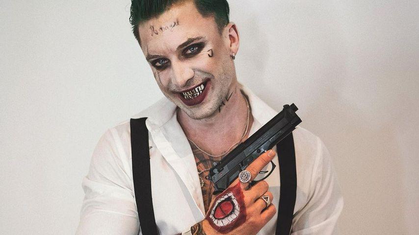 Welcher Bachelorette-Boy hat sich hier als Joker verkleidet?