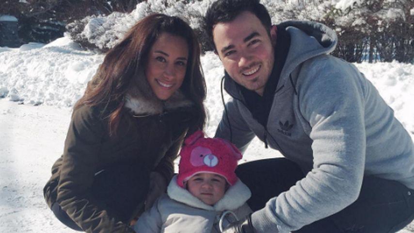Danielle und Kevin Jonas mit Töchterchen Alena Rose