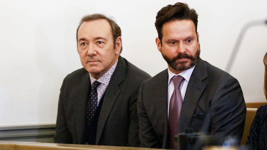 Kevin Spacey mit seinem Anwalt Alan Jackson in Massachusetts