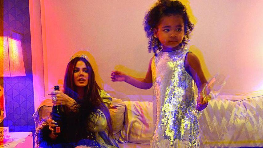 Khloé Kardashian und Töchterchen True, 2020
