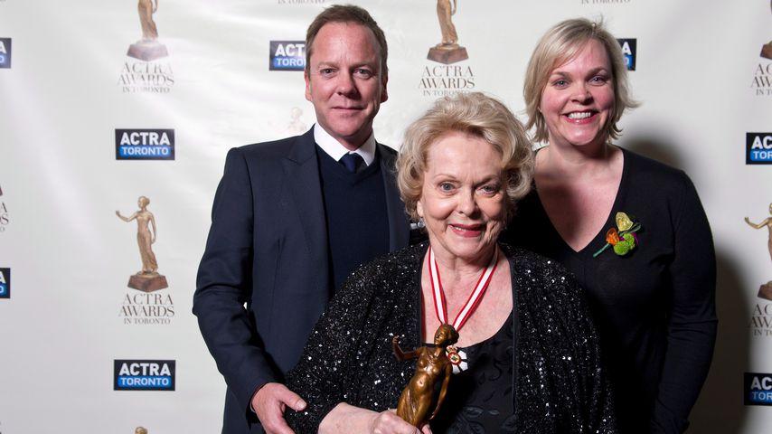 Kiefer Sutherland mit Mutter Shirley Douglas und Schwester Rachel Sutherland