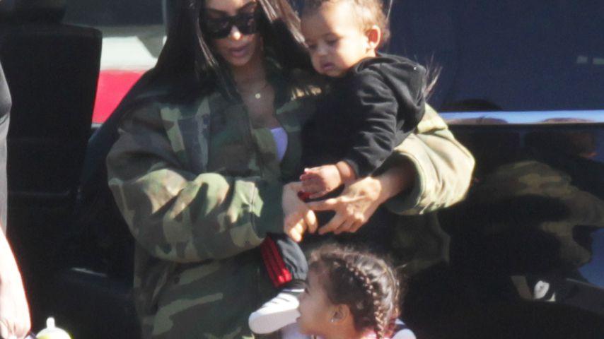 Kim Kardashian mit Saint und North