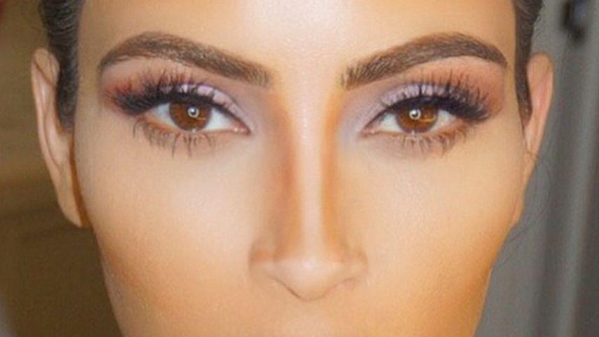 Surprise! Kim Kardashian lüftet ihr Contouring-Geheimnis