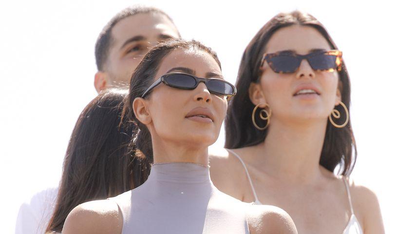 Kim Kardashian, Kendall Jenner und Penelope Disick auf dem Coachella
