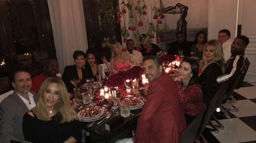 Kim Kardashians V-Day-Party: Wer ist hier eigentlich wer?