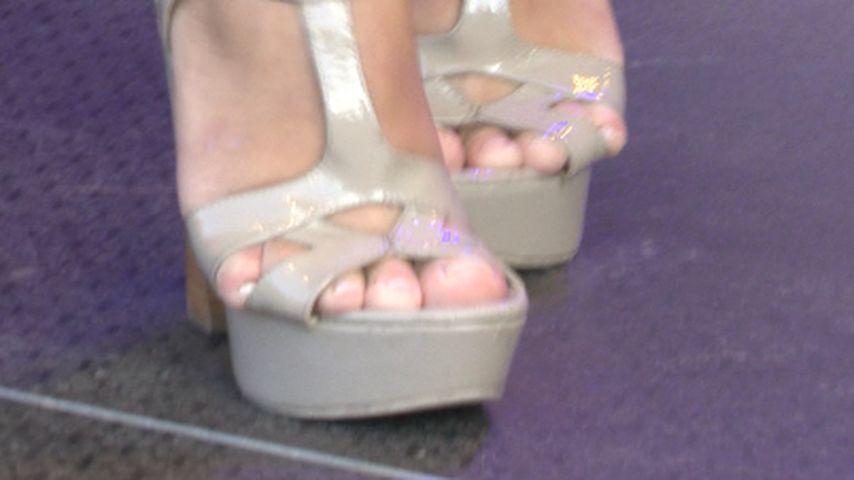 Welcher Promi quält sich mit diesen Schuhen?