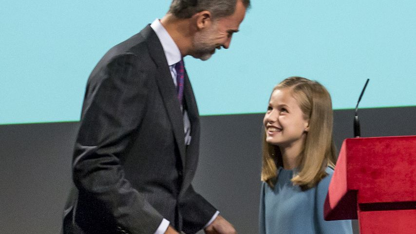 Gut gemeistert: Leonor von Spanien spricht erstmals zu Volk