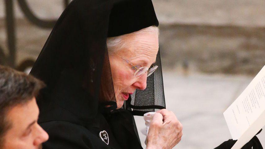 Königin Margrethe von Dänemark bei der Beerdigung von Prinz Henrik