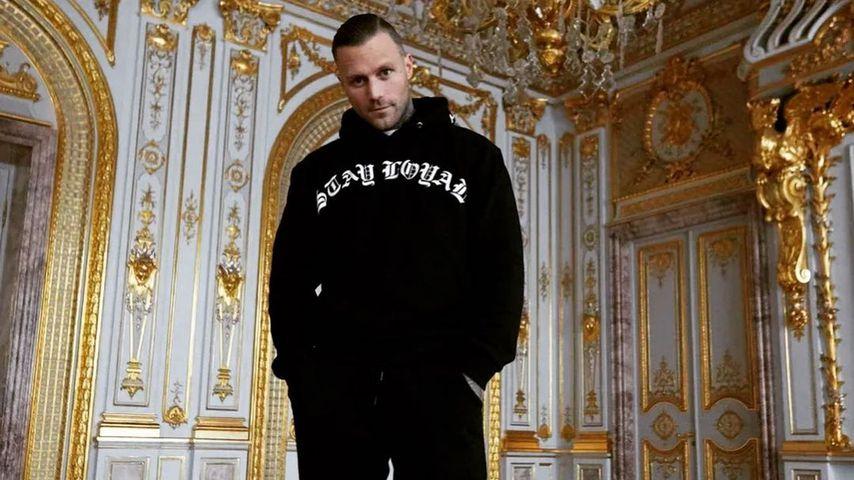 """Haben verkackt"": Kontra K kritisiert Luxus-Hype in Rapszene"