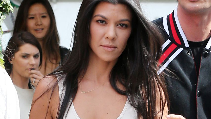 "Kourtney Kardashian bei Dreharbeiten zu ""Keeping up with the Kardashians"""