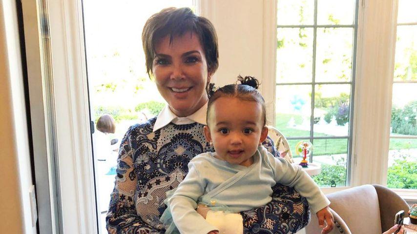 Kris Jenner mit ihrer Enkelin Chicago
