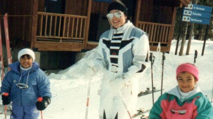 Mini Schnee-Hasen: Kris Jenner mit Kim & Kourtney auf Skiern
