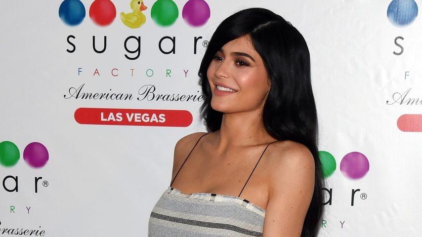 1. Auftritt? Wachs-Kylie macht in Hollywood Fans verrückt!
