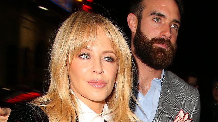 Kylie Minogue und Joshua Sasse in London