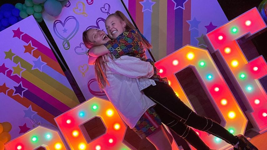 JoJo Siwa feiert fünfmonatige Beziehung mit Freundin Kylie