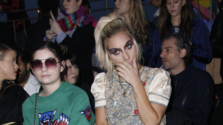 Lady Gaga und Christian Carino bei einer Fashion-Show 2017