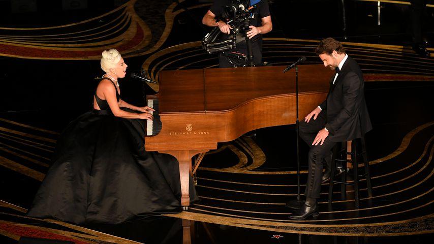 Lady Gaga und Bradley Cooper bei ihrer Oscar-Performance