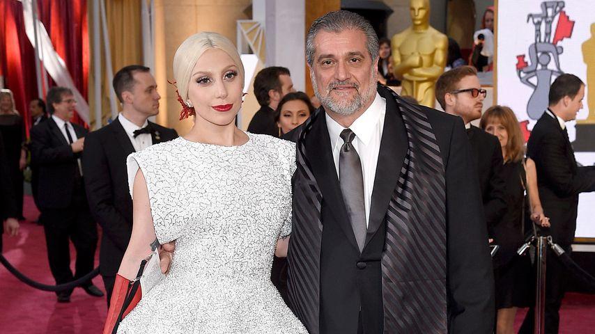Lady Gaga und ihr Vater Joe Germanotta bei den Oscars im Jahr 2015