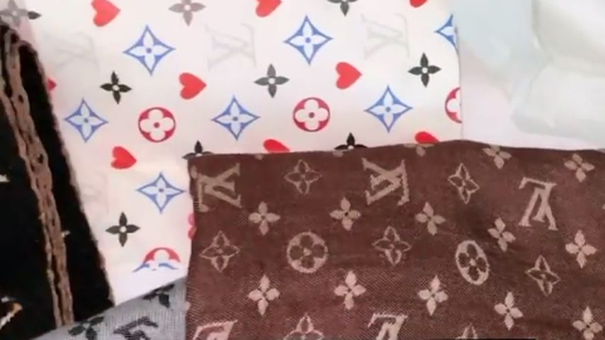 Schals von Laura Müller Stylisten