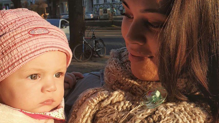 Patrick Fabians Freundin Lea mit Töchterchen Lilly, März 2020