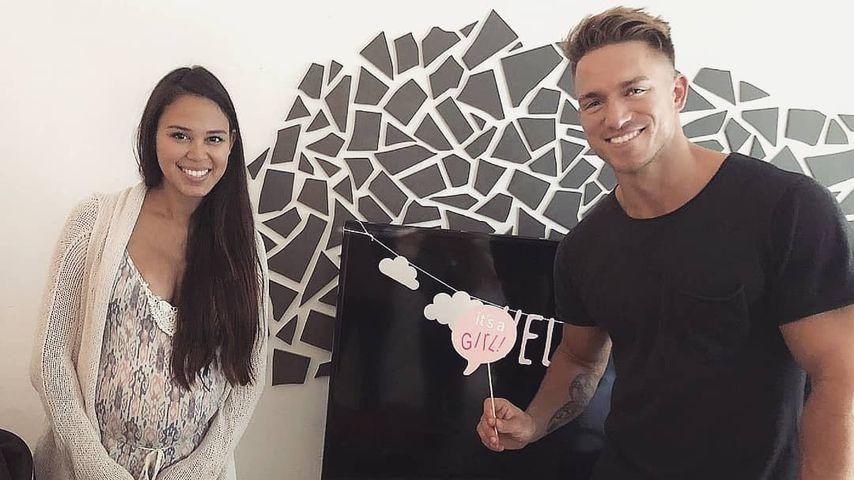 Lea und Patrick Fabian bei der Überraschungs-Babyparty, Juli 2019