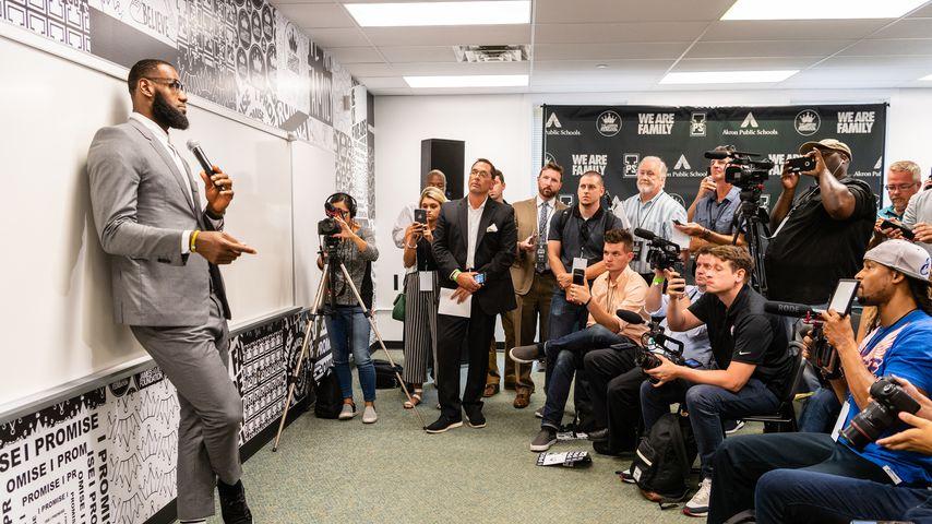 "Sport-Profi LeBron James bei der Eröffnung der ""I Promise School"""