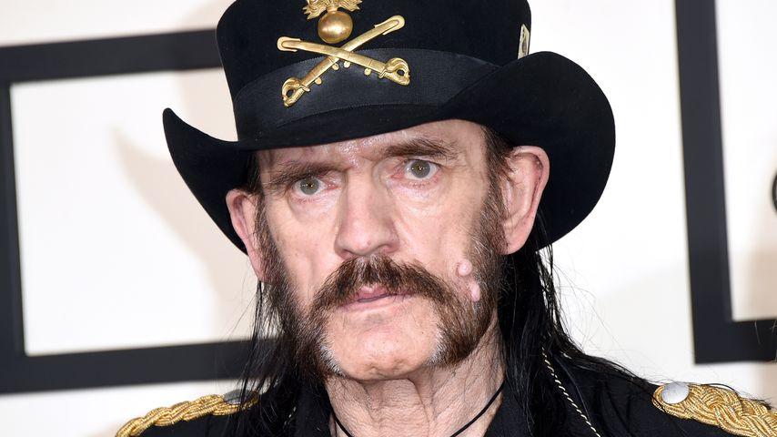 Live! Lemmy Kilmisters Beerdigung wird auf YouTube gezeigt