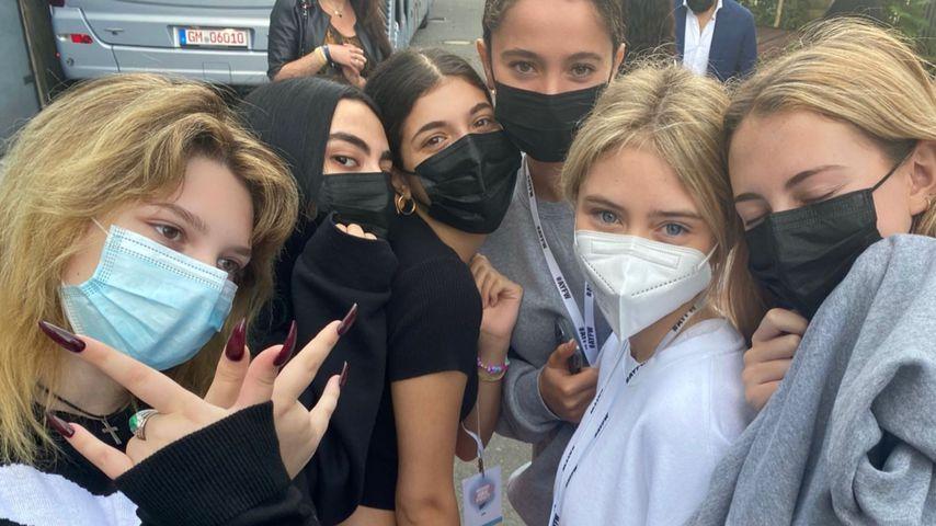 Leni Klum mit ihren Freundinnen bei der Berlin Fashion Week