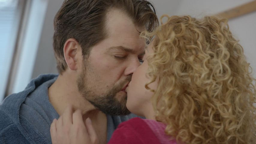 Leon (Daniel Fehlow) und Nina (Maria Wedig) bei GZSZ