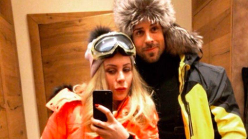 Leonard Freier (r.) mit Caona im Skiurlaub