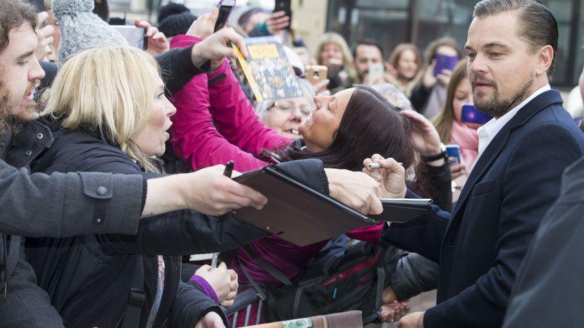 Leonardo DiCaprio mit Fans in Edinburgh