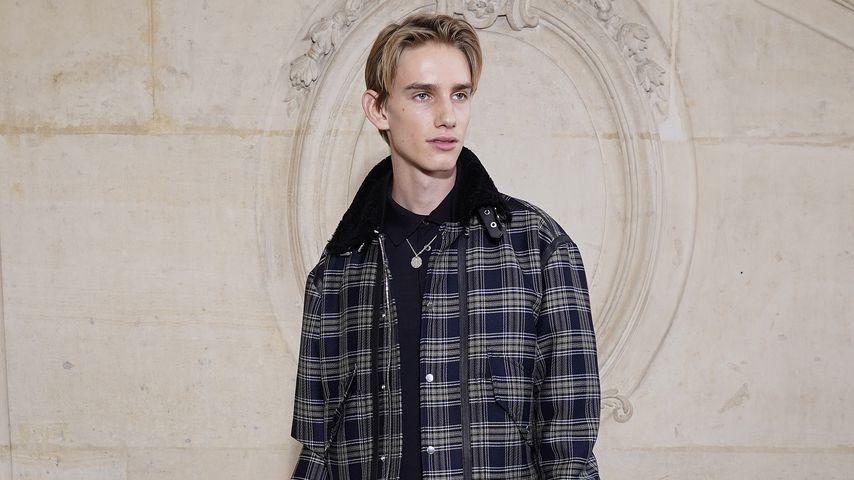 Levon Thurman-Hawke bei einer Fashionshow in Paris 2020