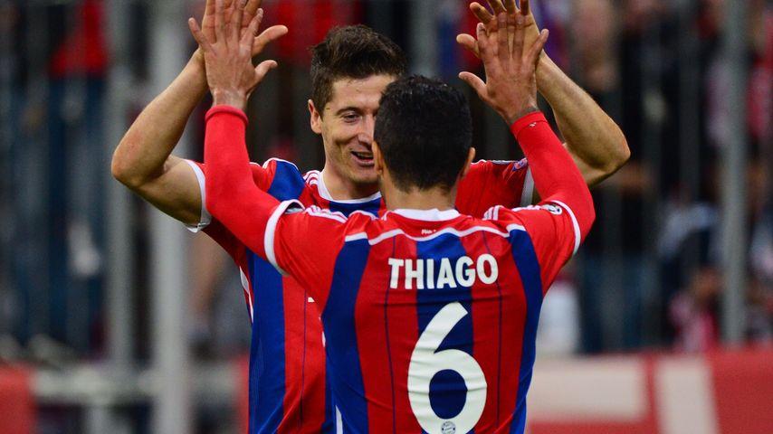 Meeega! FC Bayern kickt sich lockerleicht ins CL-Halbfinale