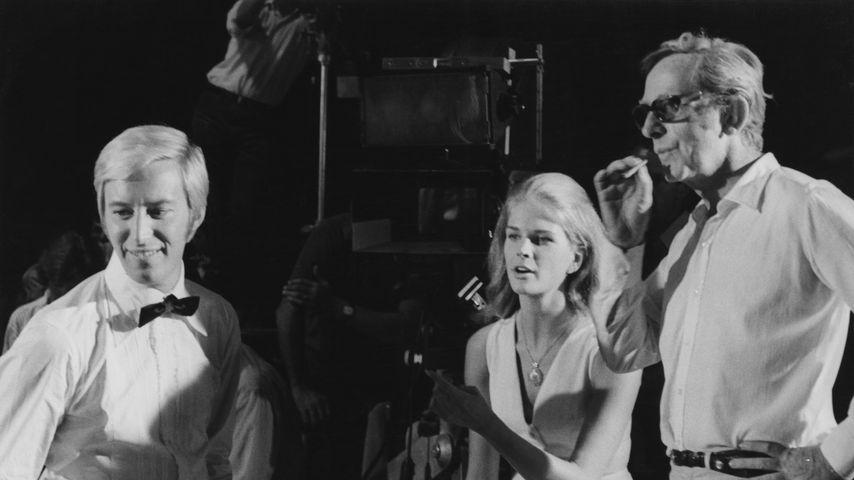 """Lewis Gilbert (r.) am Set von """"The Adventures"""" in Italien 1968"""