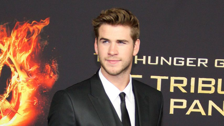 "Liam Hemsworth in der ""White Castle Hall of Fame"""