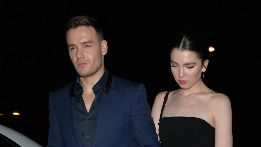 Liam Payne und seine Maya Händchen haltend auf Fashion-Event