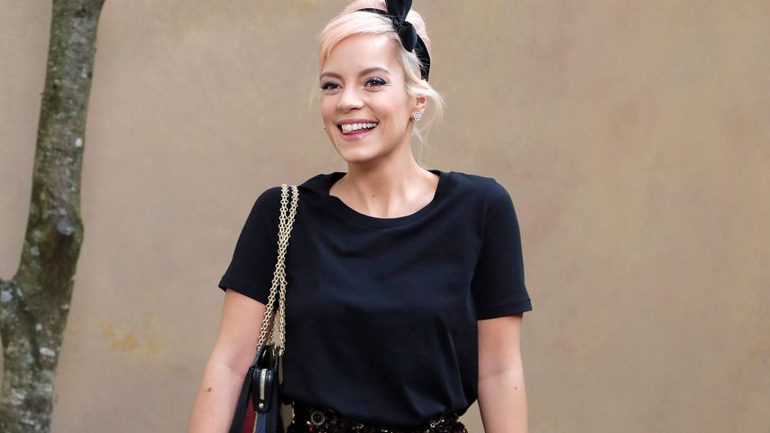Lily Allen bei einer Chanel-Show in Paris