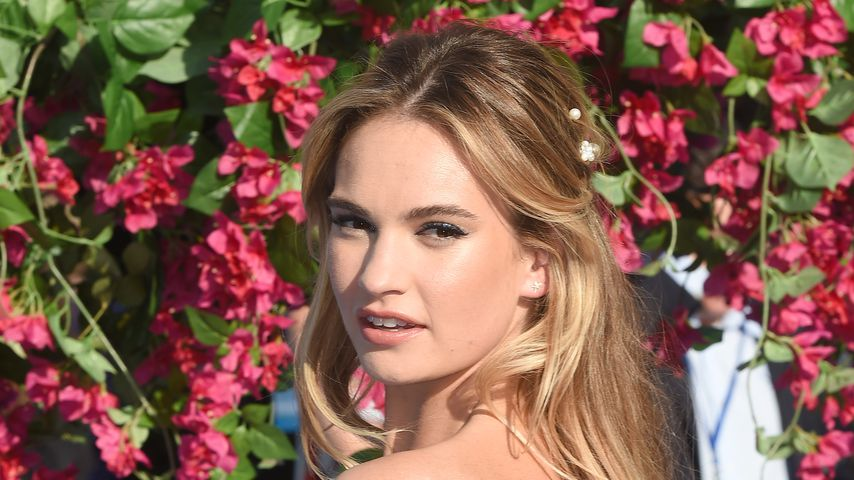 "Lily James bei der Premiere von ""Mamma Mia! Here We Go Again"""