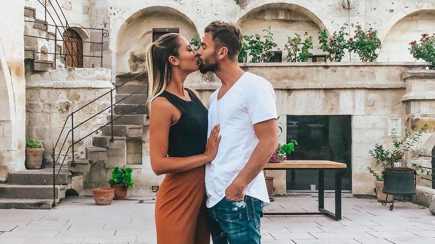 Lina Özgenç mit ihrem Mann Erdem, Oktober 2019