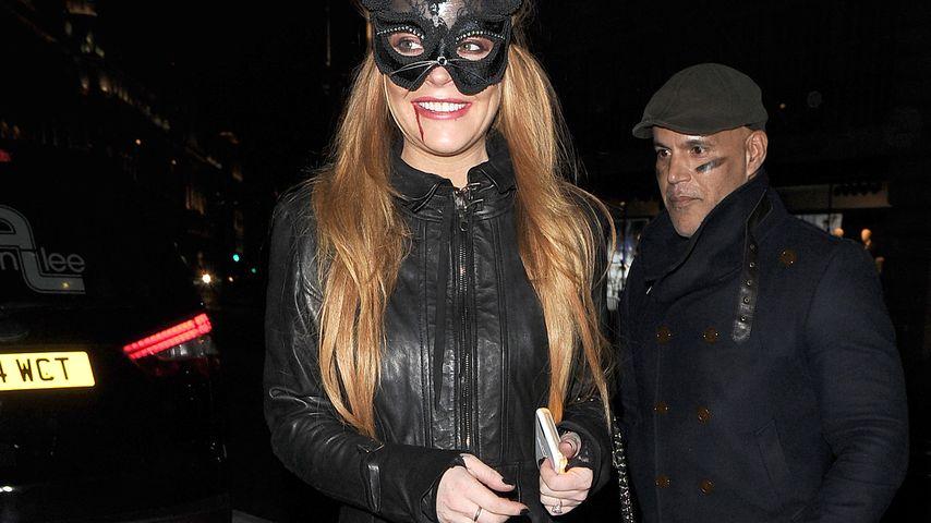 Was steckt dahinter? Lindsay Lohan trägt Verlobungsring