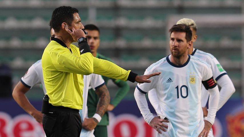 """Du Glatzkopf"": Lionel Messi beschimpft Physiotherapeut"